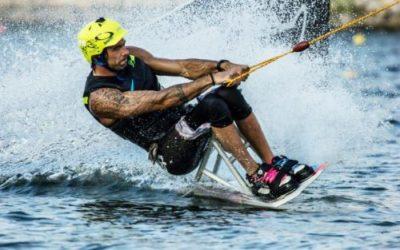 Kitesurfing adaptado, el deporte acuático de moda